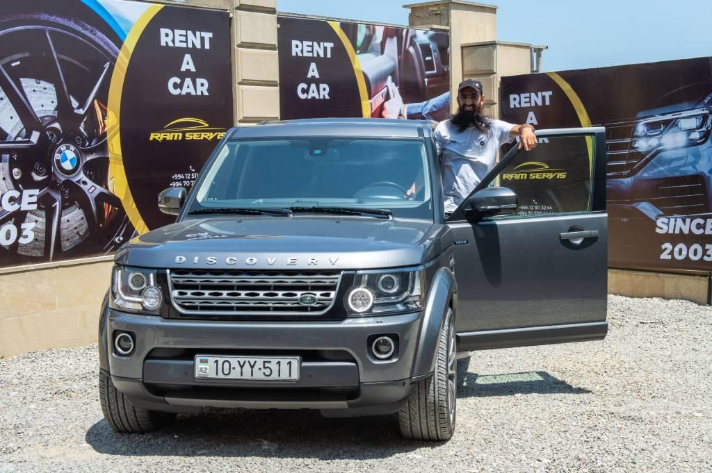 Rent LandRover DIscovery in Baku